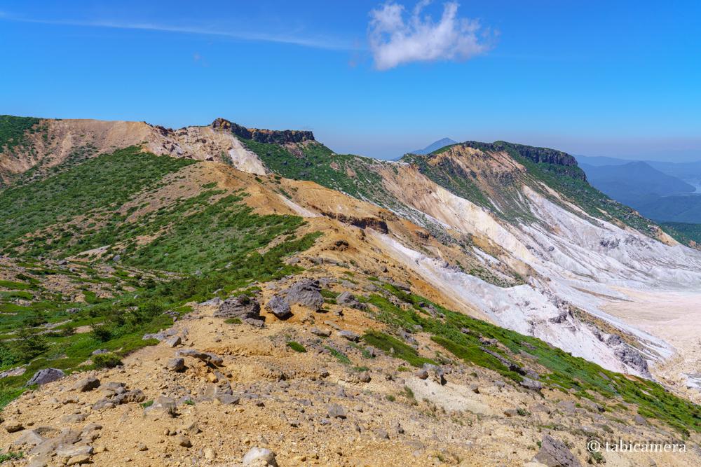 安達太良山 爆裂火口尾根線
