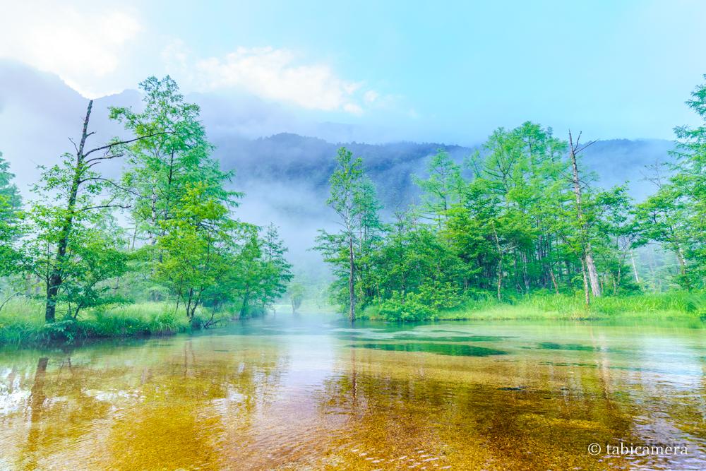 上高地の早朝の田代池