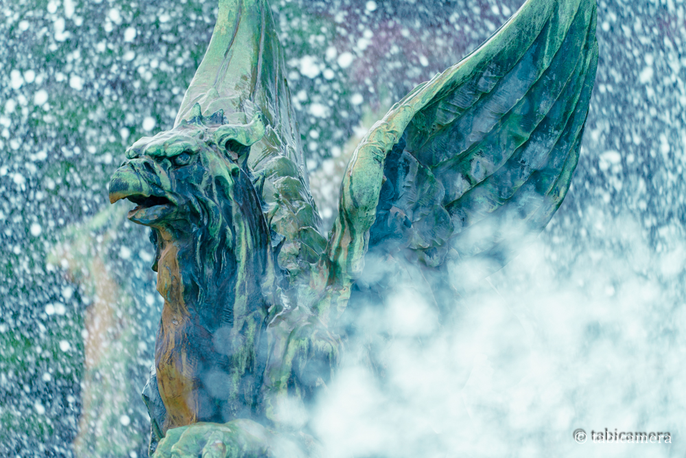 赤坂迎賓館の噴水の鳥