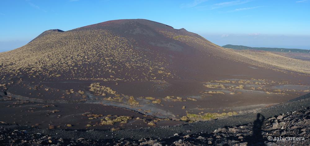櫛形山山頂からの三原山
