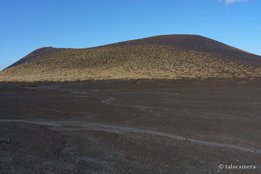 裏砂漠からの三原山